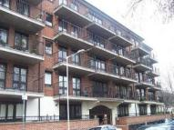 Studio flat to rent in George Leybourne House...