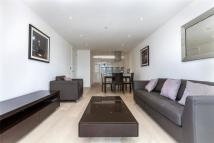 Flat to rent in Commercial Street...