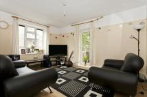 Flat for sale in Kingswood Estate...