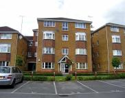 2 bed Flat in Peter Candler Way...