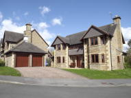 5 bed Detached home to rent in Knowle Green, Dore
