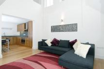 Flat to rent in Whitehorse Road...