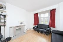 3 bed Apartment to rent in Sigdon Road, Dalston, E8
