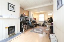 2 bed house in Douro Street, Bow, E3