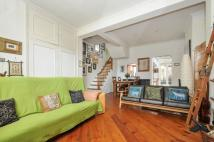 2 bedroom house for sale in Barnet Grove...