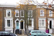 Apartment to rent in Bancroft Road, London, E1