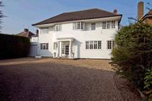 8 bed home in Boxtree Road...