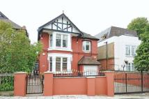 6 bed home in Streatham Common South...
