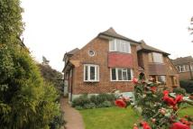 2 bed house in Gibsons Hill...