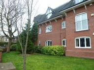 Apartment to rent in Meadow Court Hale WA15...