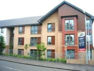 2 bed Flat to rent in Kirkton Avenue...