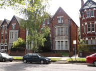 Flat to rent in Clapham Road, Bedford...
