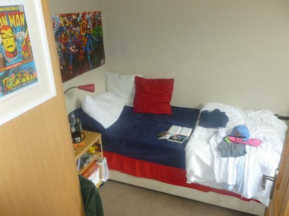 shackleton bedroom1.JPG