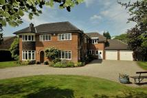 5 bed Detached property for sale in Meadow Drive, Prestbury...