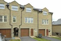 Town House to rent in Dean Way, Bollington...