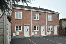 Town House to rent in Silkwood Place...