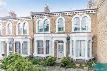3 bedroom Flat in Crofton Road, Camberwell