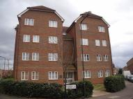 Flat to rent in Fairway Drive, London