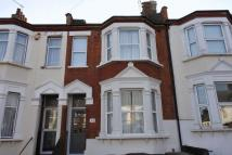 4 bed Terraced home to rent in Tuam Road, London