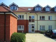 2 bed Flat to rent in Oak Road South, Hadleigh...