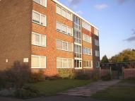 2 bed Flat in Roseberry Avenue...