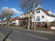 3 bed Flat in Hadleigh Road...