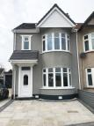 5 bedroom semi detached house to rent in Castle Lane, Benfleet...