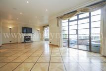 3 bed Apartment in Stockleigh Hall...