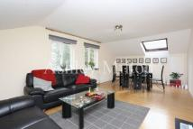2 bedroom Flat in Lanark Road, W9