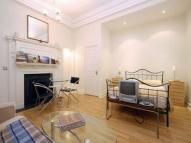 Flat to rent in Wadham Gardens, NW3