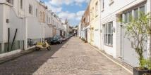 Flat in Gloucester Mews...