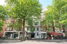 Apartment to rent in Park Road, London