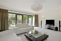 4 bed new house in Axis Court...