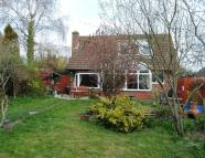 3 bedroom Chalet for sale in Hackthorne Road...