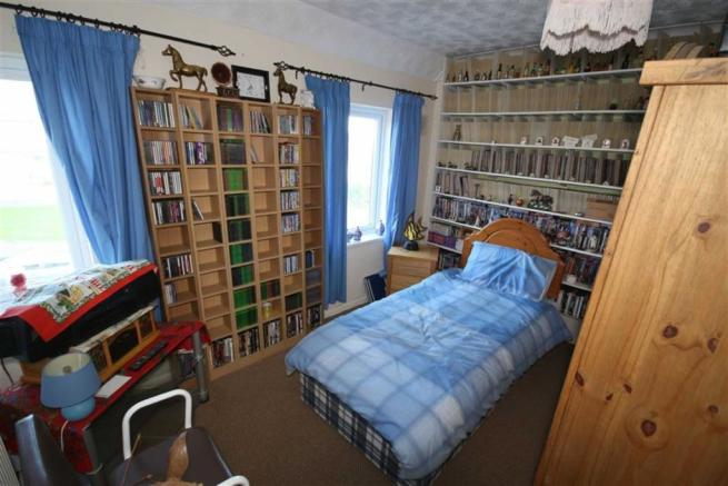 Bedroom 3: