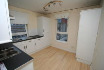 2 bed Flat to rent in Maukinfauld Road...