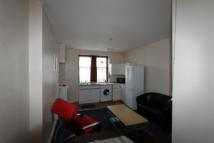 Flat to rent in Kennoway Drive, Partick