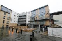 Flat to rent in Barrland Street...