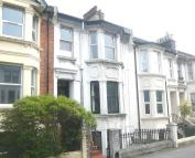 1 bedroom Flat in Queens Park Road...
