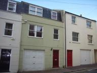 3 bedroom house to rent in Queensbury Mews, Brighton