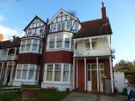 2 bed Flat to rent in Pembroke Avenue, Hove