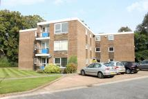 2 bed Flat to rent in April Close, Horsham
