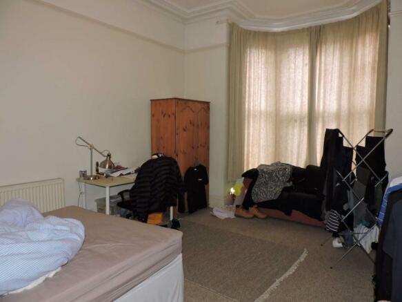 Bedroom 2 (Main)