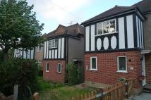 Flat to rent in Netley Close, Cheam