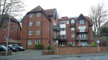 2 bed Flat to rent in Purley, Surrey