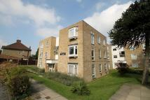 2 bed Flat in Chestnut Court...