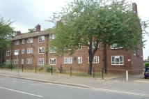 Flat to rent in Laurel House...