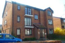 Flat to rent in Farendon House, Sutton
