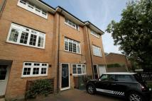 Town House to rent in Eaton Road, Sutton