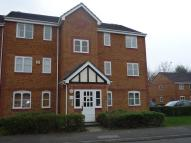 Flat to rent in Philips Close, Carshalton